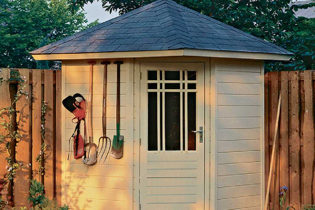 Lugarde-P51-summerhouse-logcabin-coastal-garden-buildings-Christchurch-Bournemouth- garden- buildings-sheds